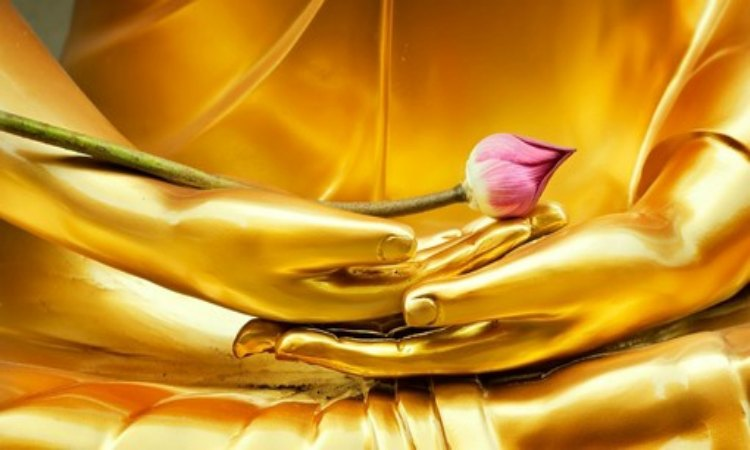 Golden Buddha with rose in hand, MKMMA, H3B